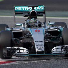 Nico Rosberg rueda con su Mercedes W06
