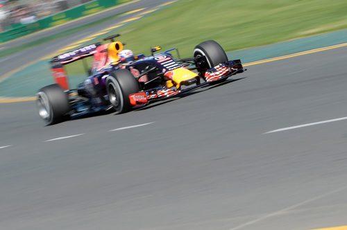 Daniel Ricciardo rueda en casa delante de sus aficionados