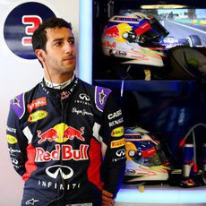 Daniel Ricciardo no disputó los Libres 2 por un fallo en el motor