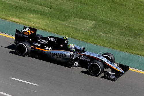 Sergio Pérez rodando con un buen rendimiento