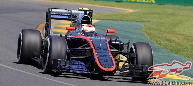 Jenson Button intenta extraer el potencial del MP4-30 en Melbourne
