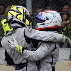 Barrichello felicita a Button