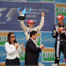 Kubica acaba segundo
