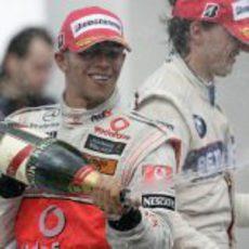 Hamilton con el champán