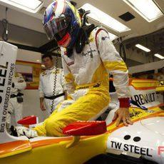 Grosjean se sube al Renault