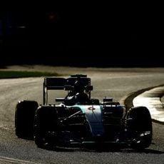Nico Rosberg empieza dominando en Melbourne
