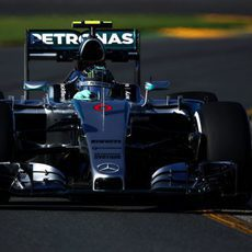 Nico Rosberg no dejó títere con cabeza