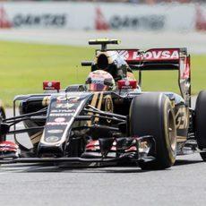 Pastor Maldonado coló su E23 en la Q3 de Australia
