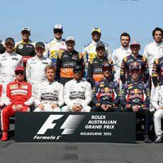 Foto oficial de los pilotos participantes en el GP de Australia 2015