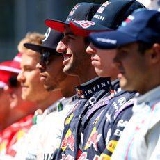 Los pilotos posan para la foto oficial en Australia