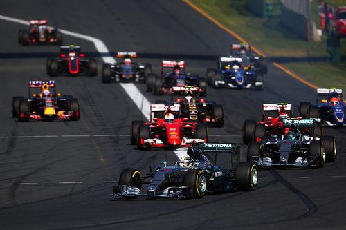 Primeros metros del GP de Australia 2015