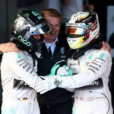 Nico Rosberg y Lewis Hamilton, tras acabar el GP de Australia