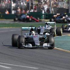 Lewis Hamilton lidera el GP de Australia 2015