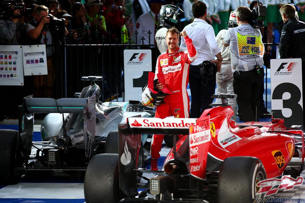 Sebastian Vettel consigue su primer podio con Ferrari