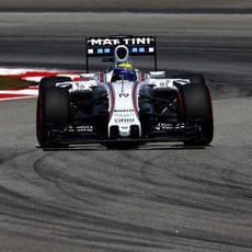 Felipe Massa sufrió con los neumáticos