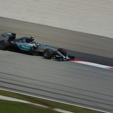 Nico Rosberg lideró los Libres 1 en Malasia