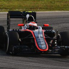 Jenson Button queda fuera en la Q1