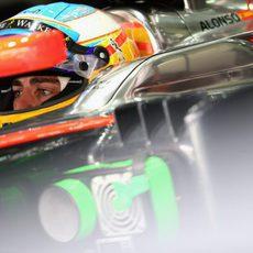Fernando Alonso preparado para salir a rodar