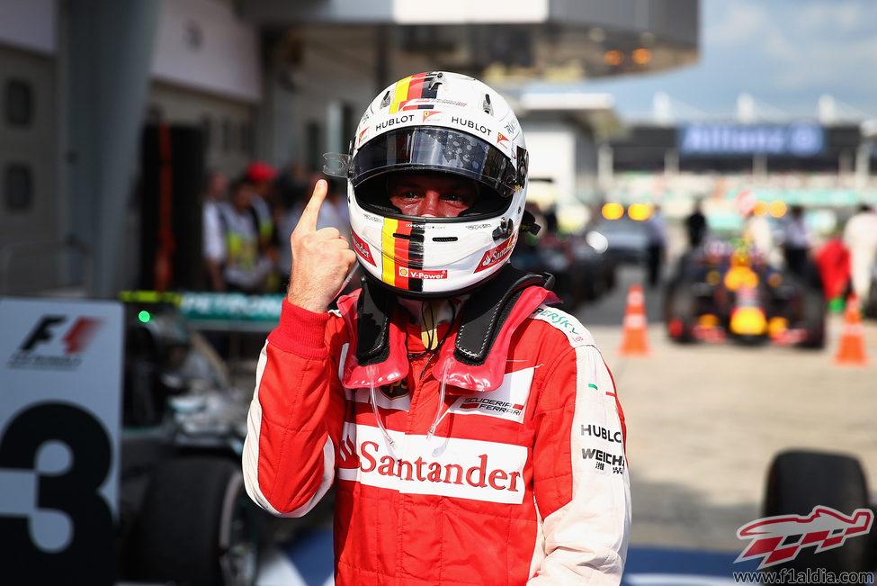 Vuelve el famoso dedo de Vettel