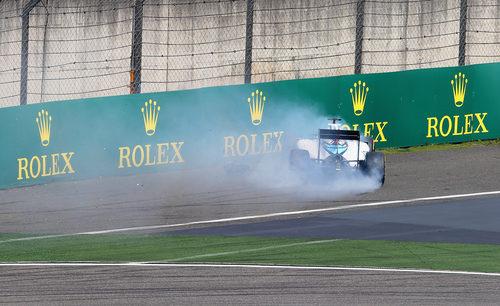 Felipe Massa pierde el control del FW37 durante los Libres 2 en Shanghai