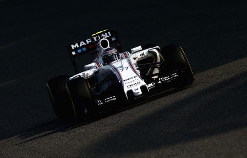 Valtteri Bottas rueda en China recuperado de sus dolores de espalda