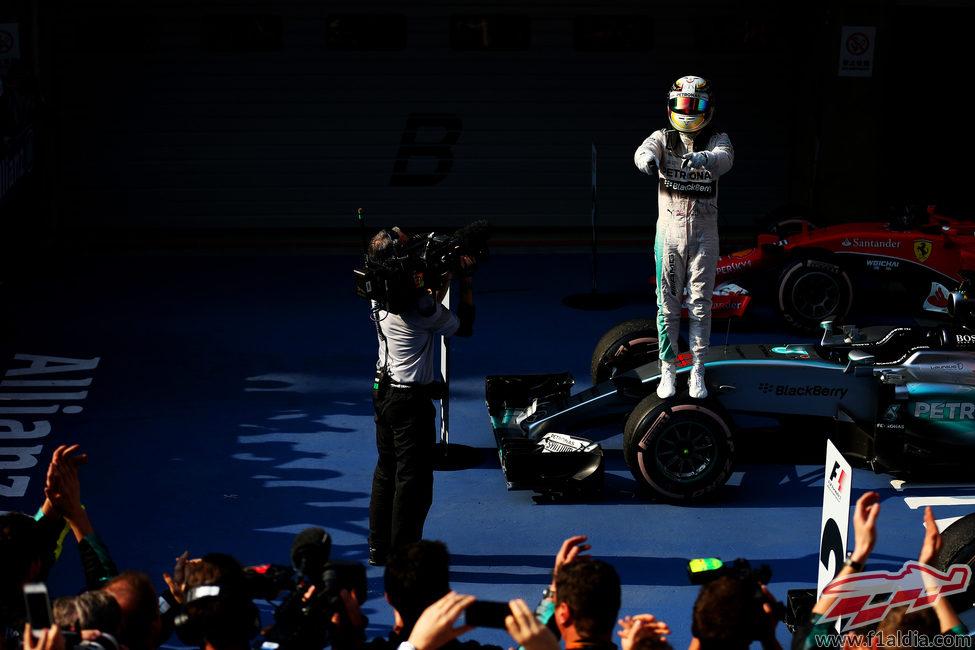 Lewis Hamilton sobre su W06 tras ganar en Shanghai