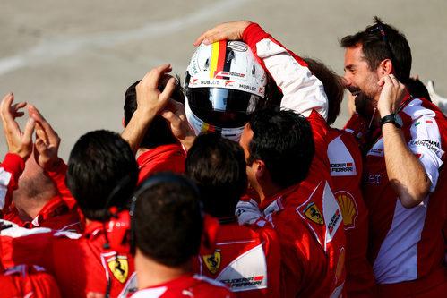 Alegría en Ferrari por el nuevo podio de Sebastian Vettel