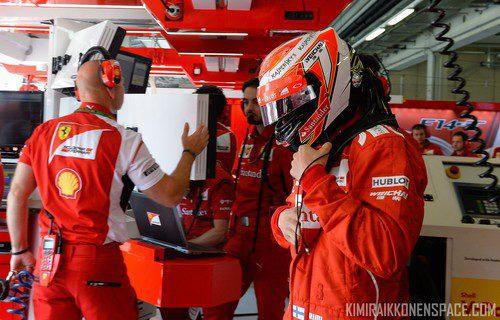 Kimi Räikkönen se prepara para dispuatar la carrera de china