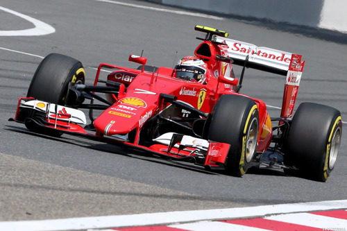 Kimi Räikkönen completa un gran arranque de carrera y acaba cuarto
