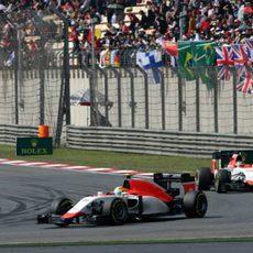 Los dos coches de Manor ruedan en el Circuito Internacional de Shanghái