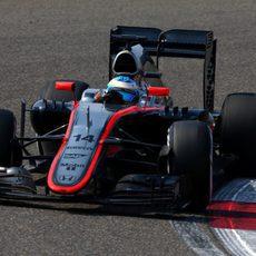 Fernando Alonso termina casi en los puntos