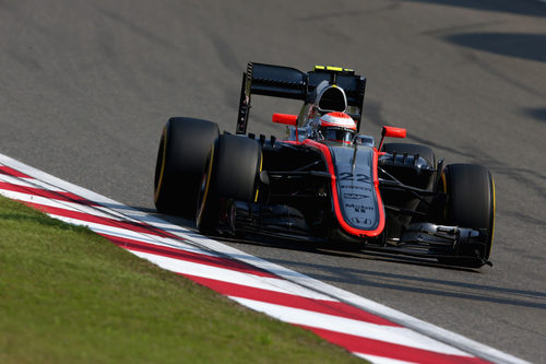 Jenson Button trata de coger ritmo con el McLaren