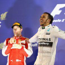 Lewis Hamilton, imparable, celebra su tercera victoria de la temporada