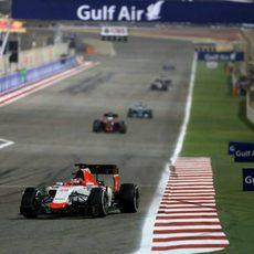 Will Stevens en la recta del circuito de Sakhir