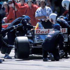 Repostaje del equipo Sauber