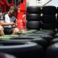 McLaren trabaja en los neumáticos suministrados por Pirelli
