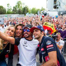 Selfie de los pilotos españoles en la Fórmula 1