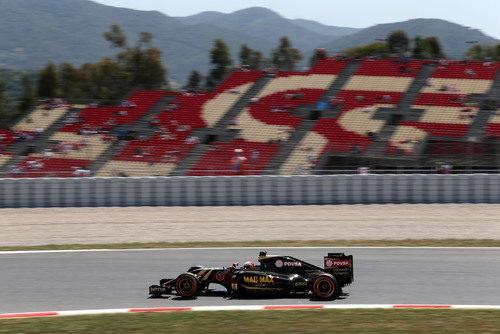 Romain Grosjean pilotando en la FP2