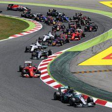 Sebastian Vettel se pone en segunda posición tras la salida