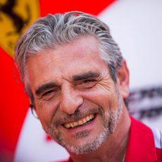 Maurizio Arrivabene está sonriente