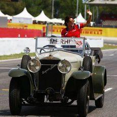 Roberto Merhi en el drivers parade de su GP de casa