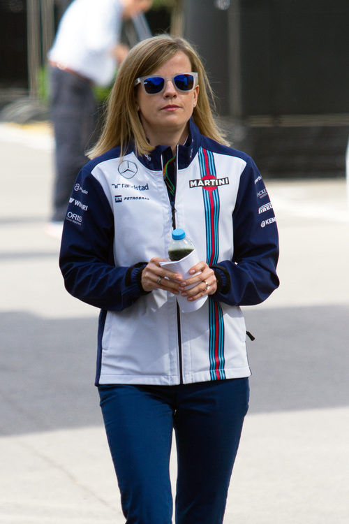 Susie Wolff llega al paddock de Montmeló