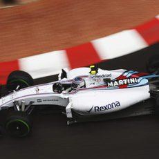 Valtteri Bottas ha tenido que luchar para hacer funcionar los neumáticos