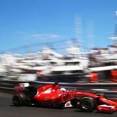 Sebastian Vettel remonta hasta la segunda posición