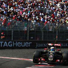 Romain Grosjean no pudo llegar hasta la zona de puntos