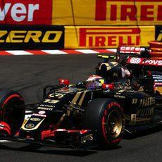Pastor Maldonado se tuvo que retirar por una avería en su E23