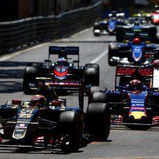 Pastor Maldonado se mantiene por delante de Verstappen
