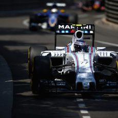 Valtteri Bottas firma su primera carrera de la temporada sin puntuar