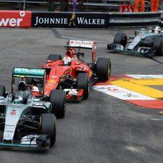 Nico Rosberg liderando la carrera