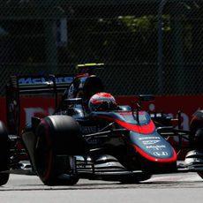 Jenson Button en la tercera sesión de entrenamientos libres